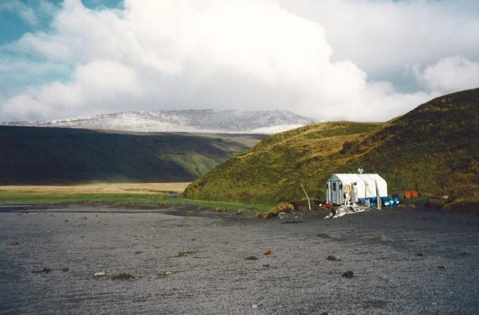 Hut in American Bay