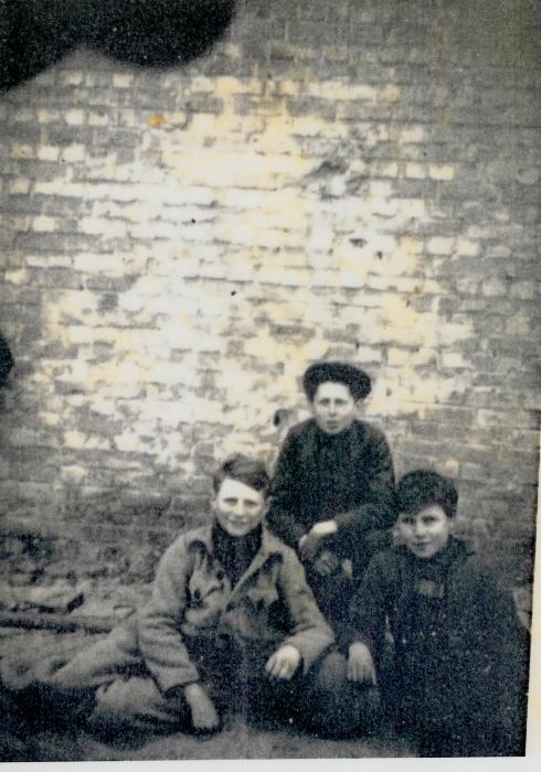 Rathe Jules (links) en Lycke Zeger (midden)