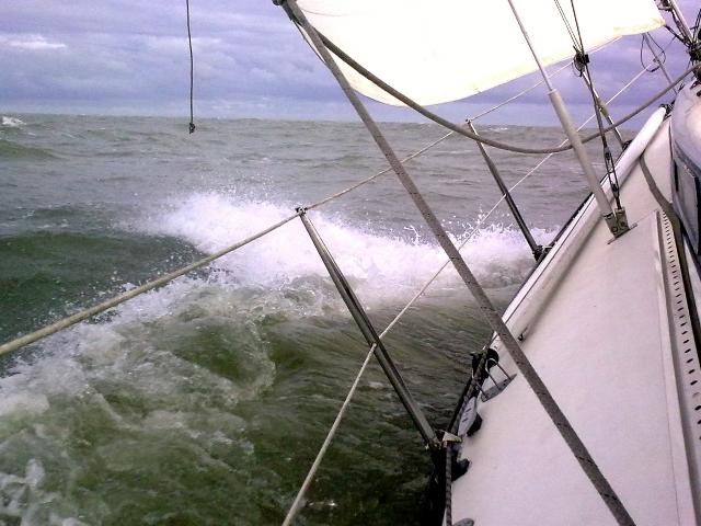scherp aan de wind