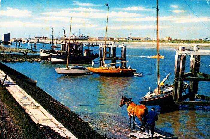 zeil- en vissersboten bij kuisbank Nieuwpoort