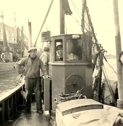 A. Hillebrandt op brug N.136 Hubert-Nadine (bouwjaar 1942)