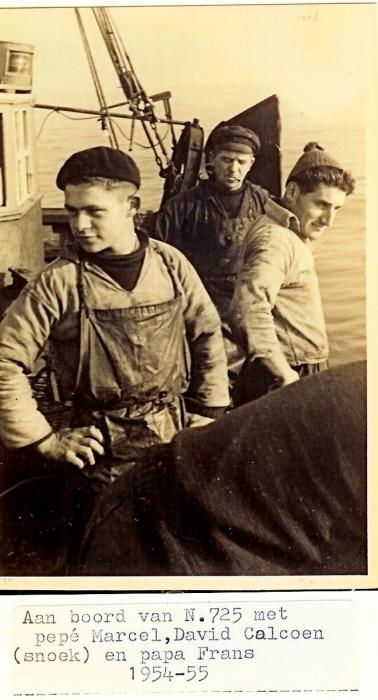 3 generaties Calcoen aan boord N.725 (Bouwjaar 1934)