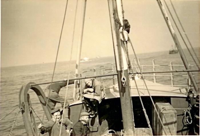Bemanning N.750 tijdens werken aan dek
