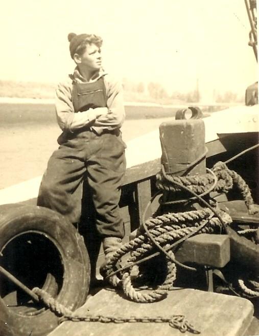 Scheepsjongen Goderis Roger aan boord van de N.725 Anna (Bouwjaar 1934)