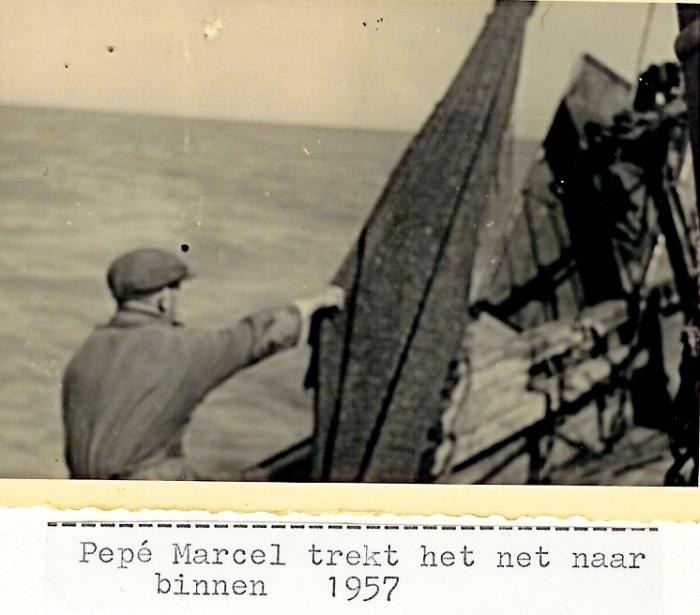 Marcel trekt net binnen op de N.725 Anna (Bouwjaar 1934)