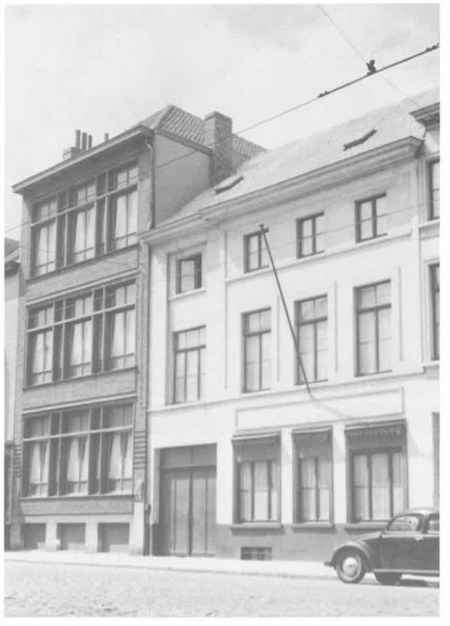 Van Caillie (1987, pl. 154)