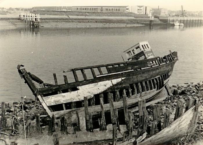 Afbraak vaartuig te Nieuwpoort