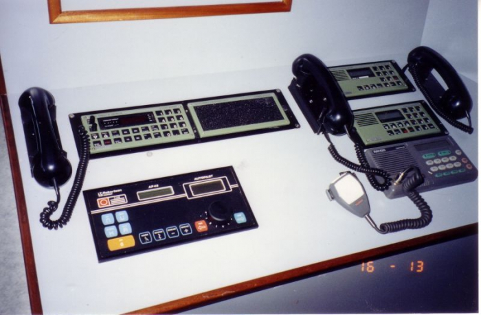 Communicatiemiddelen en automatische piloot Z.186 Shannon (Bouwjaar 1991)