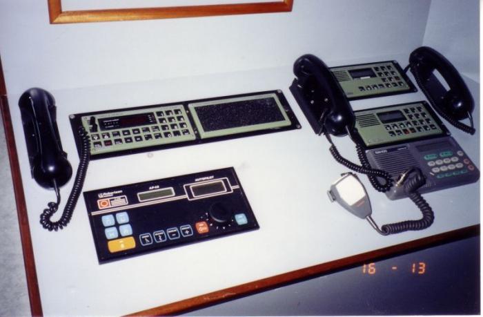 Communicatiemiddelen en automatische piloot Z.186 Shannon (Bouwjaar 1991)
