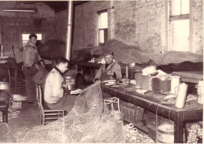 familie Pauwaert maakt netten te Zeebrugge