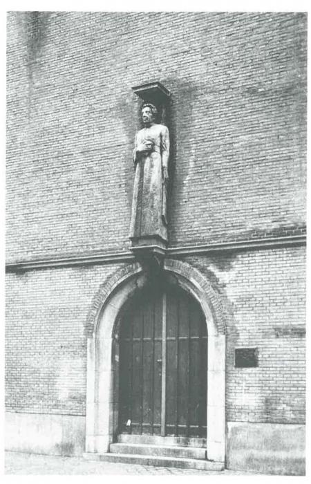 Van Caillie (1991, pl. 139)