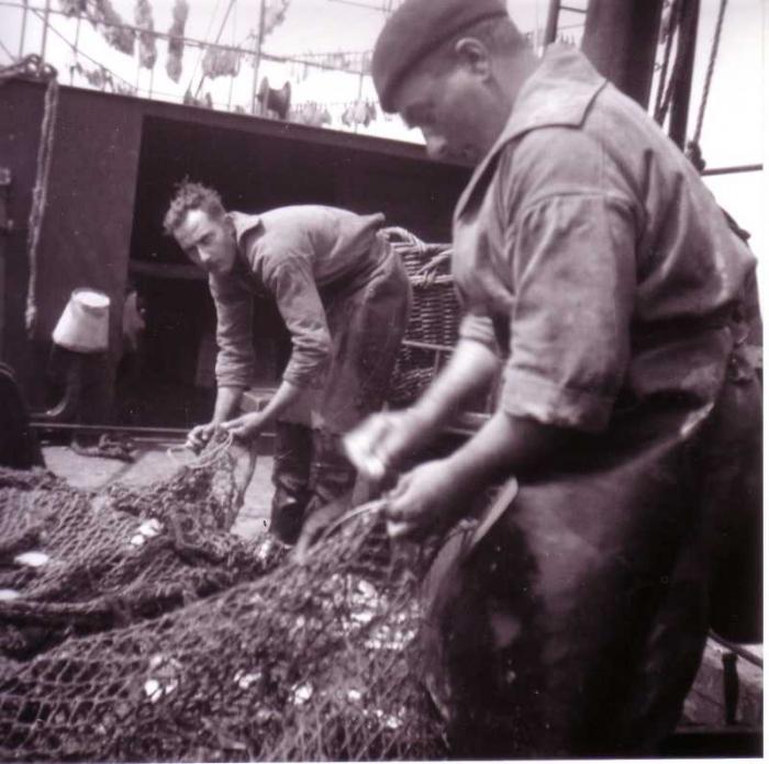 Netten repareren (vissersjargon: boeten)