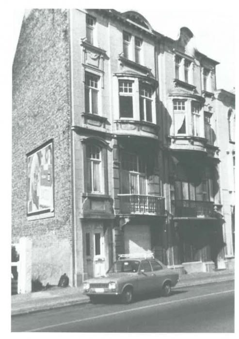 Van Caillie (1991, pl. 184)