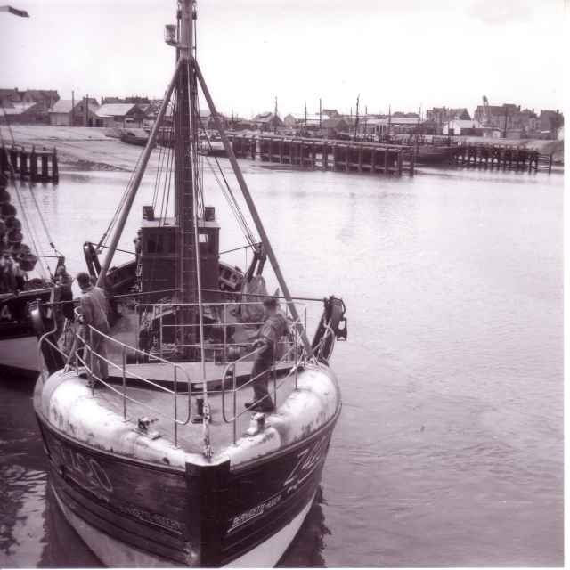 Z.420 Bernadette-Roger (Bouwjaar 1949) in haven Zeebrugge