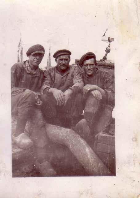 Vissers aan boord van H.9 Embryon (bouwjaar 1926)