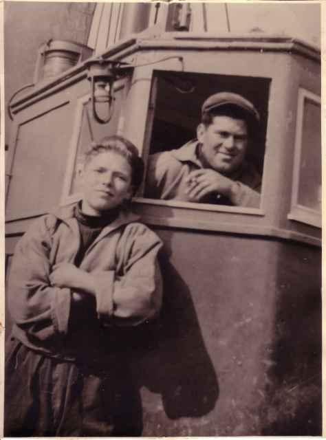 Constant Vantorre en Jozef Vantorre (vader en zoon) aan boord