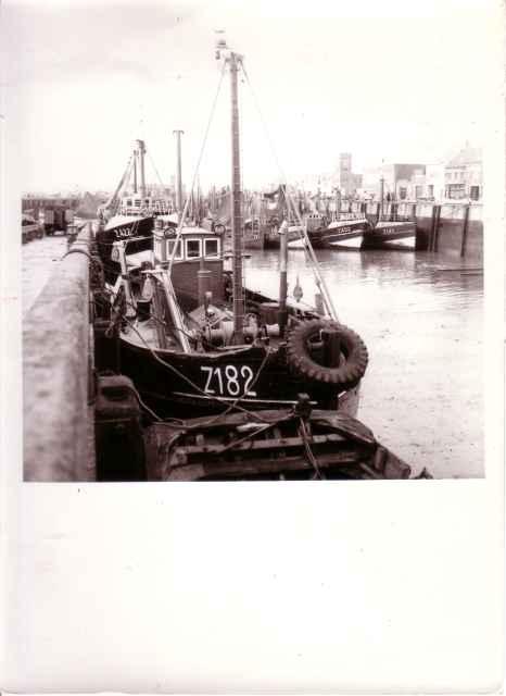 Z.422 en Z.182 op kuisbank Zeebrugge
