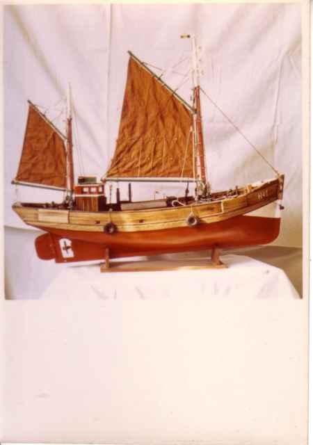 Scheepsmodel gemotoriseerd vissersvaartuig uit Heist