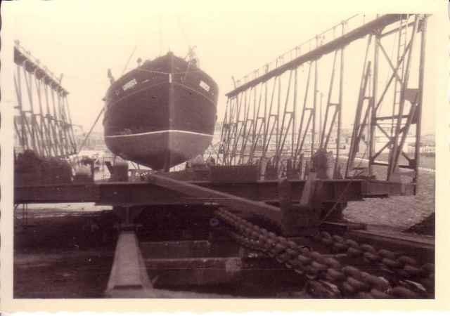 Loodsboot Hinders op slipway Oostende voor reparatie of onderhoud