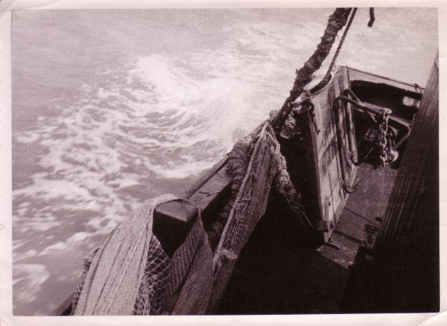 Achtersteven aan stuurboord met een planke (visbord)