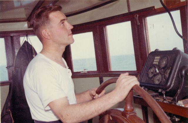 Jan De Voogt aan het stuur