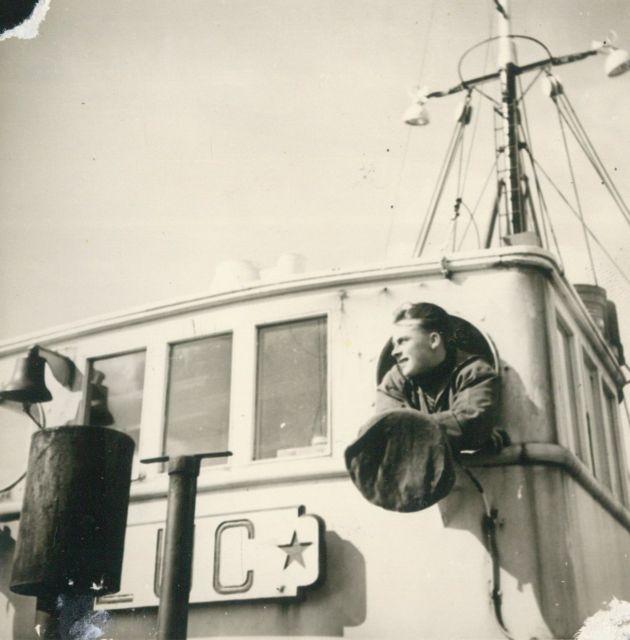 Andr� Van Torre op de brug van de Z.562 Luc (Bouwjaar 1956)