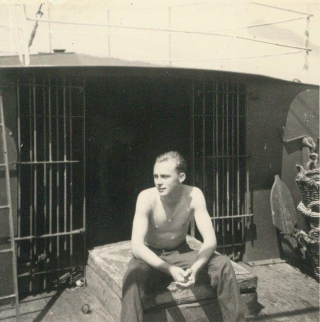 Andr� Van Torre aan boord van de Z.562 Luc (Bouwjaar 1956)