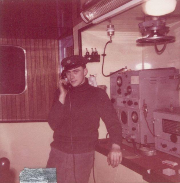 Andr� Van Torre bij de telefoon op de Z.402 Atlantis (Bouwjaar 1963)
