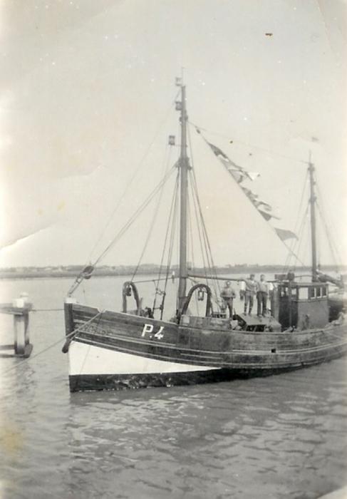 P.4 met bemanning