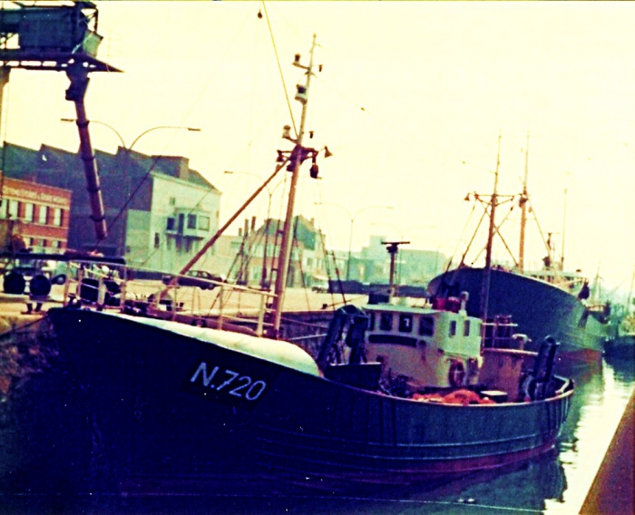 N.720 (Bouwjaar 1963) in haven