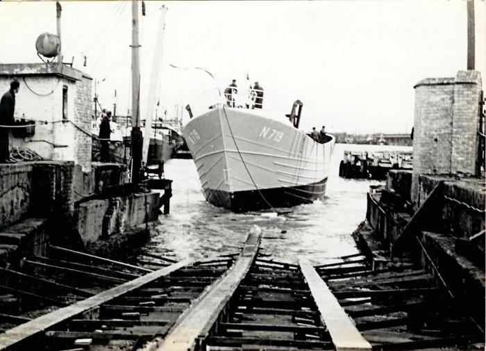 N.719 met bemanning