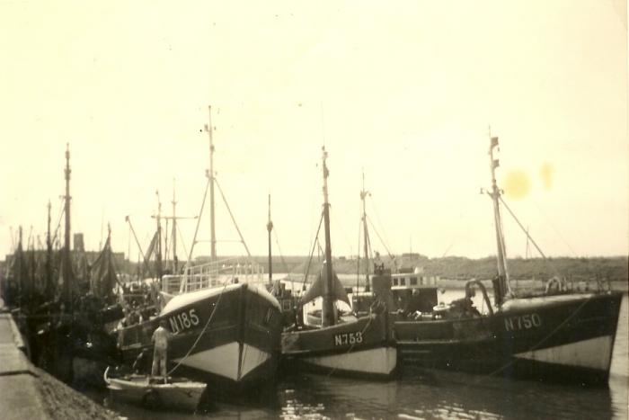 N.185 (Bouwjaar 1957), N.753 Hilaire-Hubert (bouwjaar 1930) en N.750