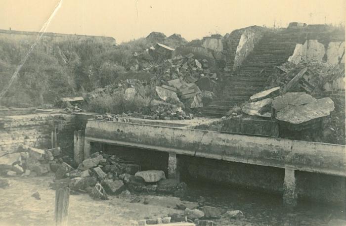 """Vernielingen """"Halewyck & Cie"""" in de Esplanadestraat, 1945"""