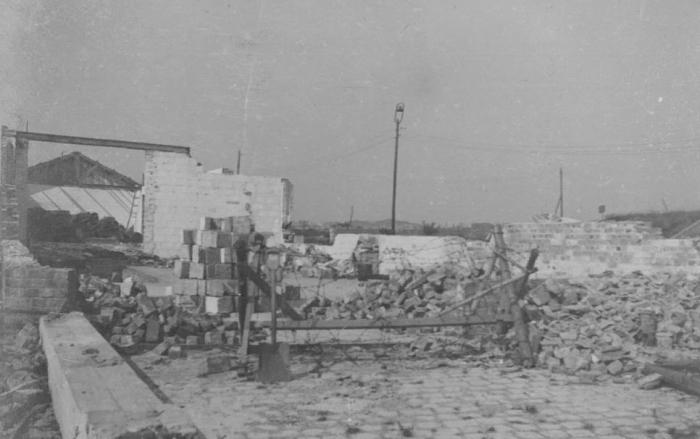 """Vernielingen """"Halewyck & Cie"""" aan de Spuikom, 1944"""