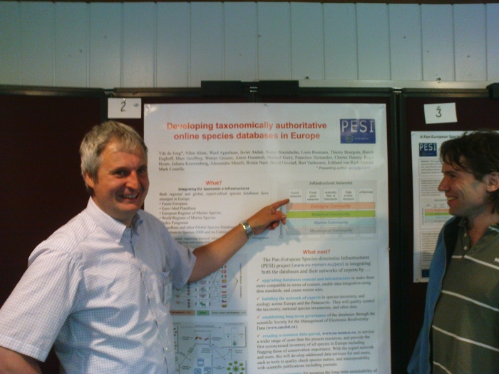 Anton Guentsch at the TDWG 2010 poster session