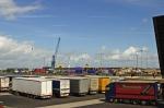 Vrachtwagens en containers