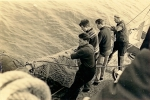 Kor binnenhalen aan boord van de N.738 Johan (Bouwjaar 1965), author: Onbekend
