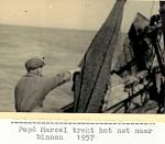 Marcel trekt net binnen op de N.725 Anna (Bouwjaar 1934), author: Onbekend