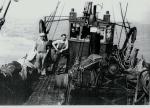 Vissers aan boord tijdens rustmoment
