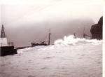 O.285 Marie-Jos�-Rosette (Bouwjaar 1936) na stranding nabij haven Vestmannaeyjar