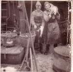 Strippen (vissersjargon: verwijderen van de ingewanden) van vis aan boord