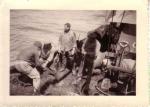 Z.412 Belgian Researcher (bouwjaar 1950) klaarmaken om te vissen, author: Onbekend