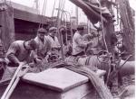 Netten herstellen op de H.69 Maris Stella (bouwjaar 1932), author: Onbekend