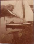 Vrouw en man op boot