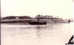 Z.494 Lucky Star (bouwjaar 1967) vaart haven Zeebrugge binnen