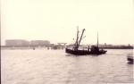 Z.517 (Bouwjaar 1931) vaart havengeul Zeebrugge binnen, author: Onbekend