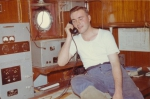 Jan De Voogt telefoneert met 'Oostende Radio'