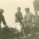 Vissers met vangst aan boord van de Z.403 Stern (Bouwjaar 1961)