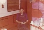 Roger Decuyper met maaltijd op de Z.570 Triton (Bouwjaar 1960-1961), author: Onbekend