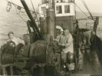 Vissers aan boord van de Z.449 Zeemanshoop (bouwjaar 1945), author: Onbekend